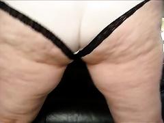 Whorish cellulite whore demonstrates her body and masturbates
