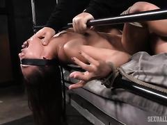 Filthy blindfolded brunette on the indecent bed facefucked