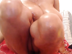 Juicy jugged mother I'd like to fuck oils up and positions seductively on livecam