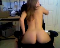 Amateur stunner on livecam shows off her biggest boobies
