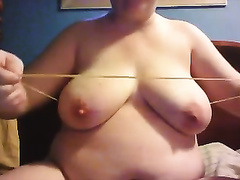 Chubby web webcam dilettante housewife was playing with her love melons and a rubber