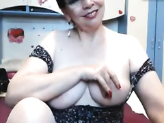 Charming older fattie exposes her great bare body online