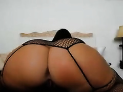 Super hot chick showing me her taut ass on livecam