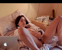 Horny wife cums hard watching porn