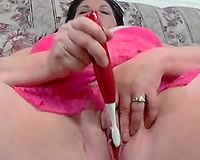 My rapacious corpulent floozy strokes her twat with toothbrush