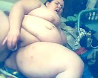 SSBBW sort of older white slutwife on webcam mastubating