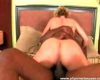 Milf wench drilled in her slippery snatch