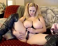 Blonde plump honey with heavy scoops masturbating