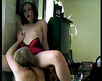 Blonde playgirl eats cookie of her brunette hair college ally