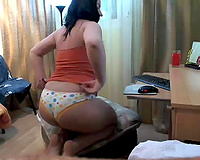 Curvaceous dark brown seductress demonstrates her thick wazoo