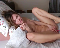 This appealing cam model likes masturbating and that babe is pure beauty
