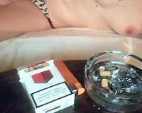 Seductive anonymous hottie demonstrates her body on livecam