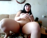 My chunky girlfriend with bulky butt truly likes masturbating