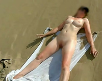 Amateur sunbathing nympho did not mind my buddy fucking her that day
