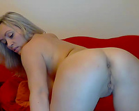 Alluring enchanting svelte blondie and her a bit awkward but wankable solo show