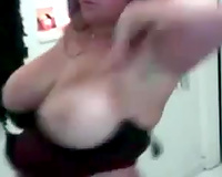 Voluptuous amateur webcam nympho stripteased and danced whilst showing her pantoons