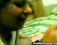 Amateur Arab pair in homemade oral act