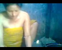 Chunky and breasty bhabhi white lady in the shower on web camera