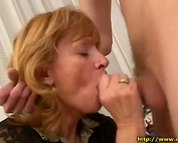 Old cheating wife teaches the younger chap how to fuck with old ladies