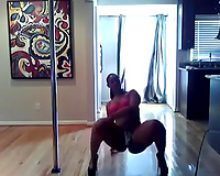 Breath-taking solo with me dancing like a femdom-goddess and twerking