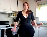 Super sexy livecam charmer have to be proud of her gigantic gazoo