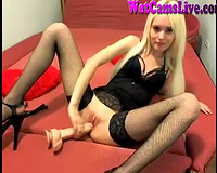 Pleasure seeking Ukrainian livecam whore is having joy with her sex toys