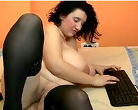 Turkish BBW cam model eagerly shows all she got
