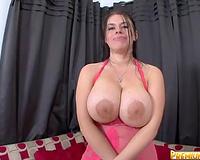 Curvy and impure white floozy shows her heavy mangos