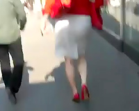 I followed this redhead milf in public to film her large booty