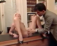 Kinky golden-haired wench receives fisted intensively in advance of giving deepthroat blowjob
