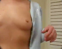 Sperm hungry nympho deeepthroats her lover's subrigid penis