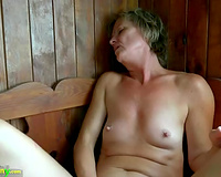 Mature white wife with shaved vagina in solo act