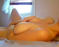 That appealing and busty milf looks sexy on livecam clip