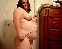 Super disgusting obese brunette hair floozy showed off her wet crack after undressing