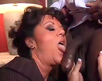 Chubby concupiscent milf got her cunt licked and reamed by dark hairless dude