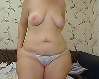 Bootyful and curvy mommy shows me her bald snatch on livecam