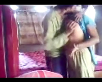Dark haired dilettante Desi wifey in sari provides her hubby with BJ