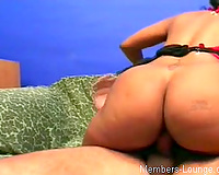 That Indian brown girl with large arse rode my penis on the daybed