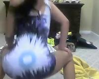 I make my big luscious wazoo wiggle like jello on webcam