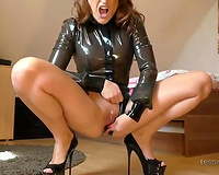 This wicked cam doxy looks wonderful in latex and this babe likes masturbating