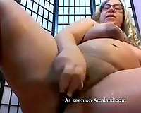 Extremely chunky shaggy golden-haired nympho plays with her new sex-toy on livecam