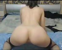 Hot and lean white floozy shows me her privates on skype