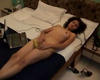 Beautiful Mumbai hooker filmed topless in the hotel room