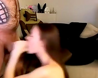 Brown-haired hussy knows how to give outstanding head
