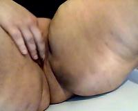 big beautiful woman woman toying soaked slit in non-professional closeup video