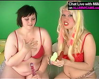 Duet of cute obese big beautiful woman lesbies make a great use of 2 dildos