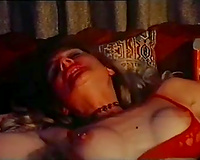 Two mature lesbos want to reach orgasm through twat licking