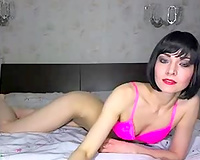 Skinny webcam short haired nympho was posing in her bright pink underware