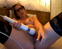 Kinky Married slut in dark nylon stockings was using vibe for her cookie