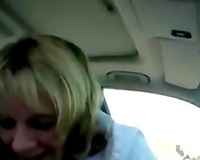 Short haired kinky non-professional golden-haired hooker sucked my schlong in car